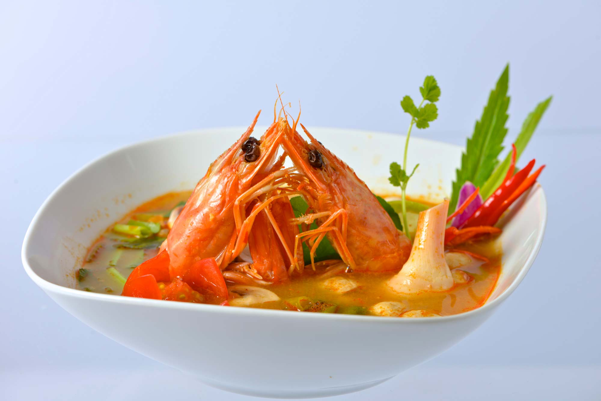 tom yam kung thai spicy soup geneva jom thai food